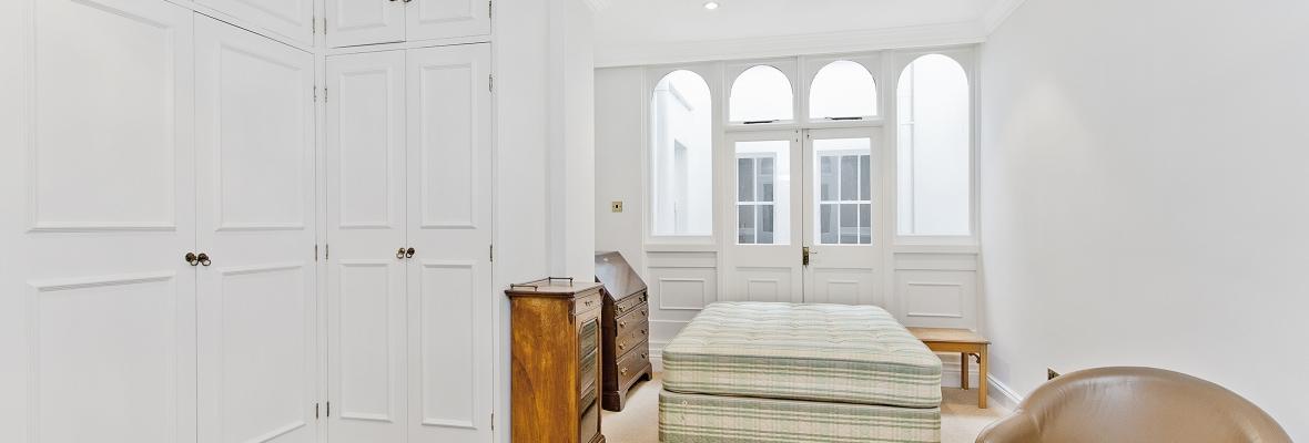 Decorating-Bedroom-1180x400.jpg